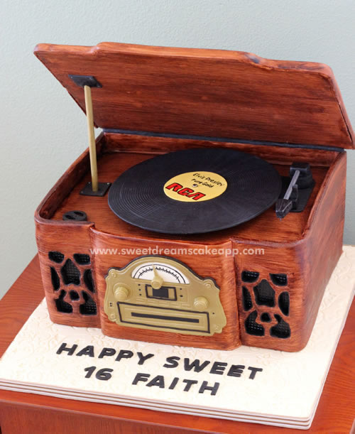 Spinning Record Player Cake Tutorial - Sweet Dreams and